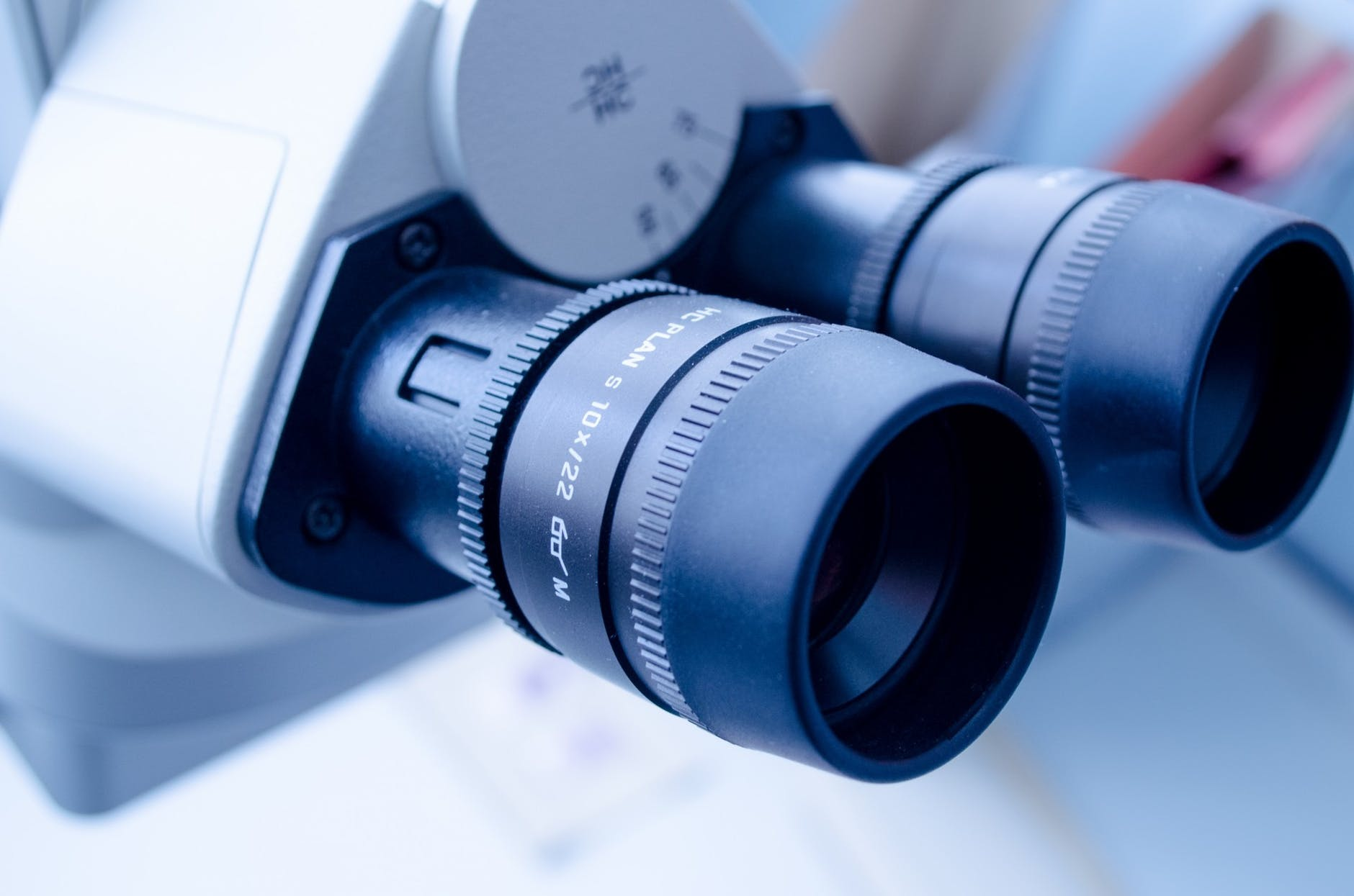 Eye equipment-Getting our eyes tested is one of the most important health tests for seniors.