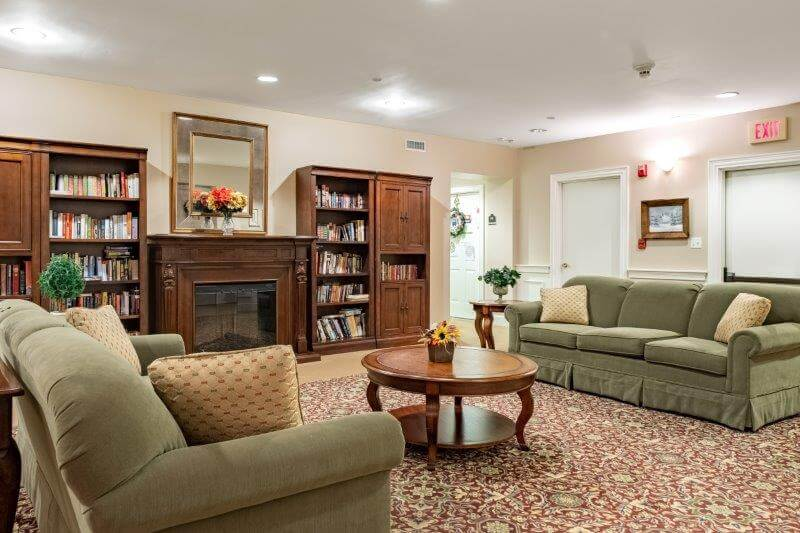 A reading room at Landmark at Ocean View, a senior living facility in Massachusetts