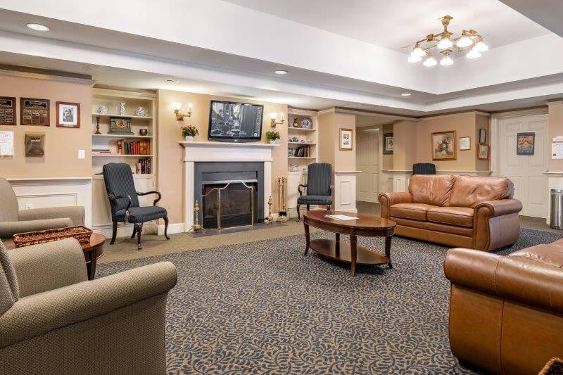 A sitting area available for residents at Landmark at Ocean View, an assisted living facility in Massachusetts.